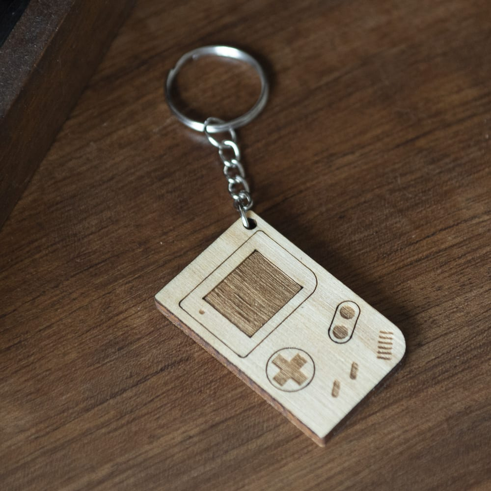 porte clé bois keychain retro 90's gameboy gaming