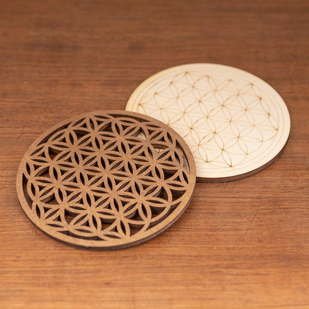 sous verre en bois motif géométrique fleur de vie set de 2 pièces